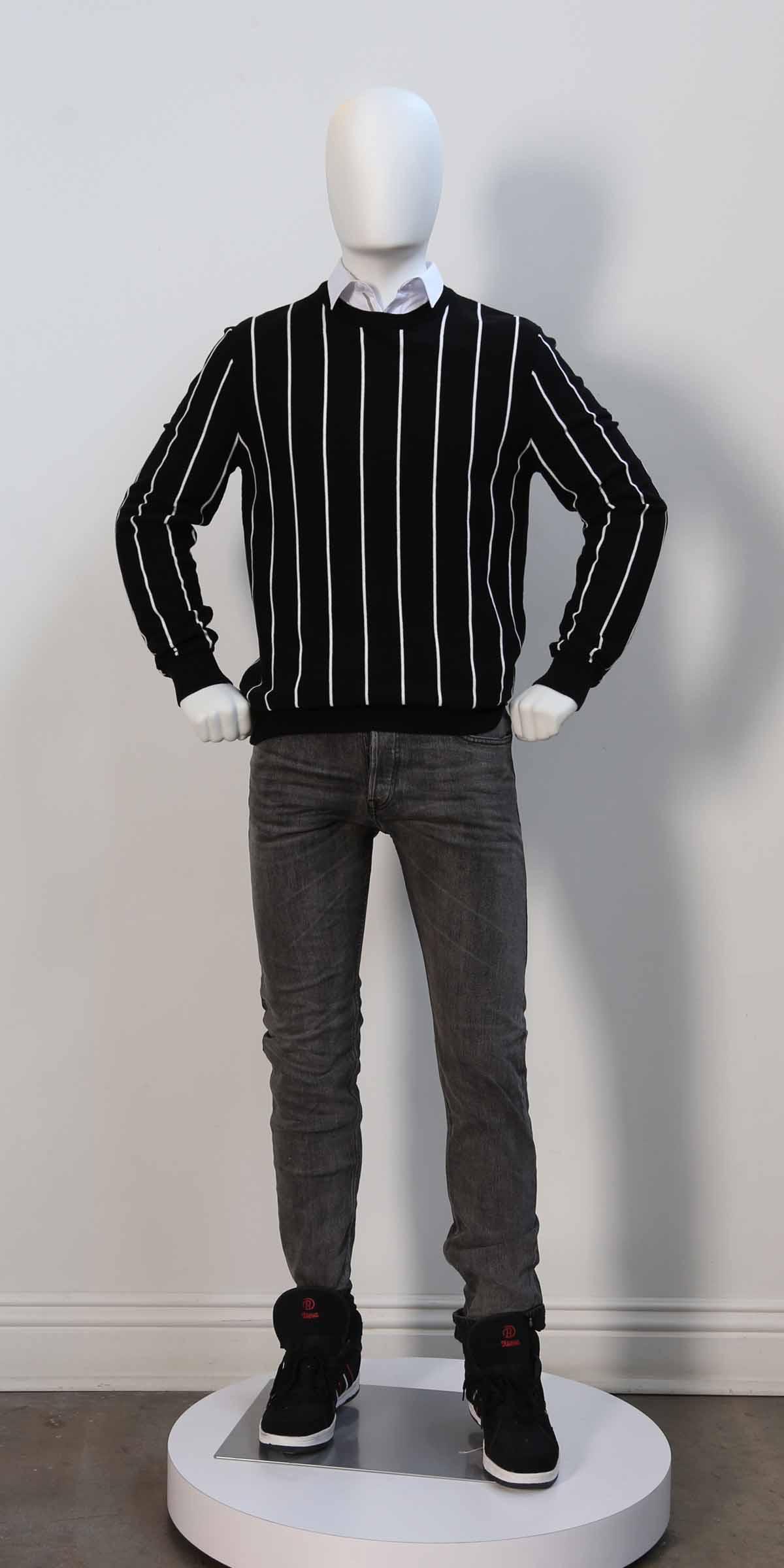 MM01BW Dressed